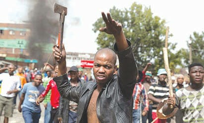 SOUTH AFRICA MOB ON RAMPAGE AGAIN, BURNT ALIVE A NIGERIAN